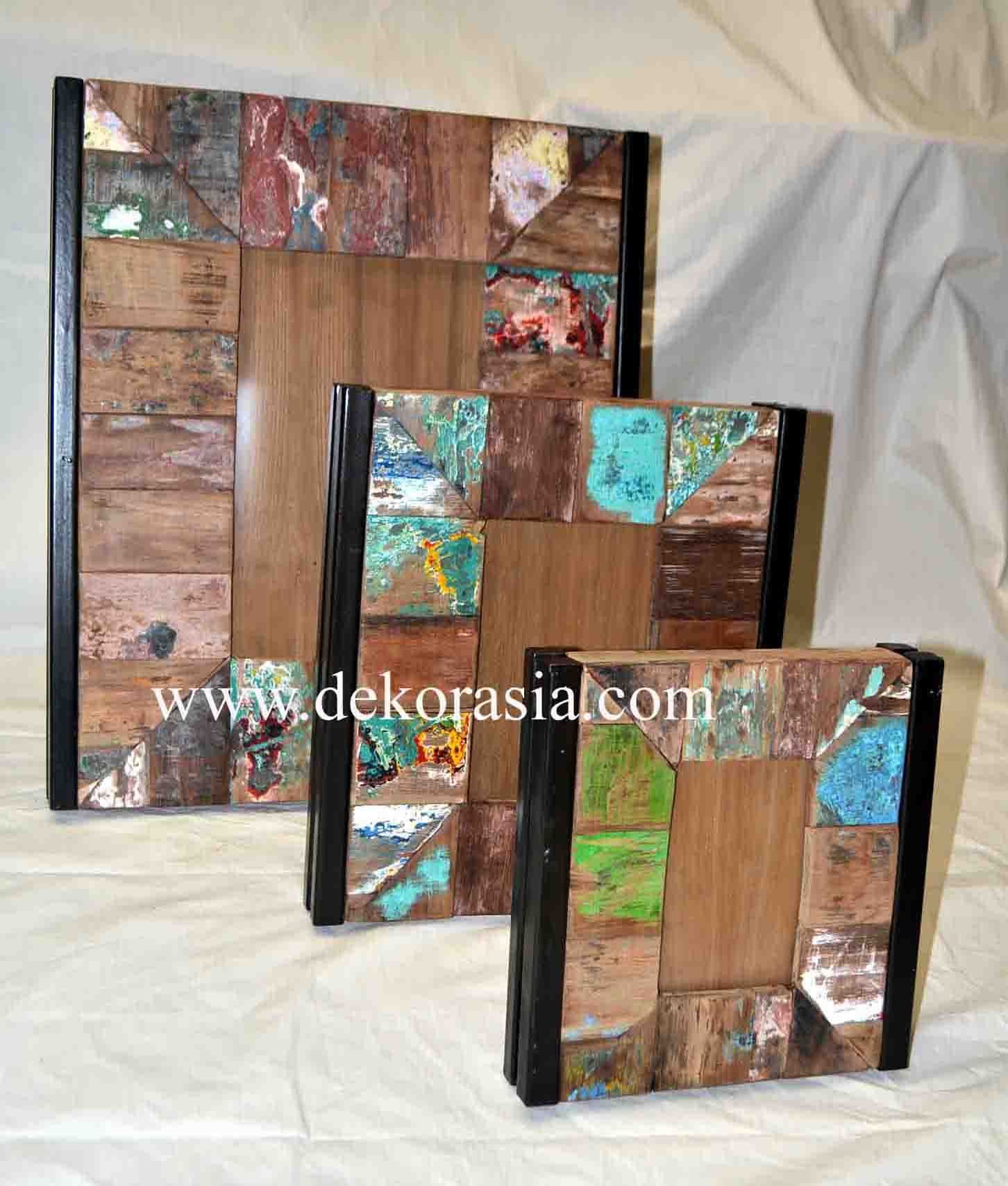 PICTURE FRAME SET OF 3