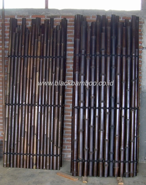 BLACK BAMBOO FENCE IRREGULAR SIZE