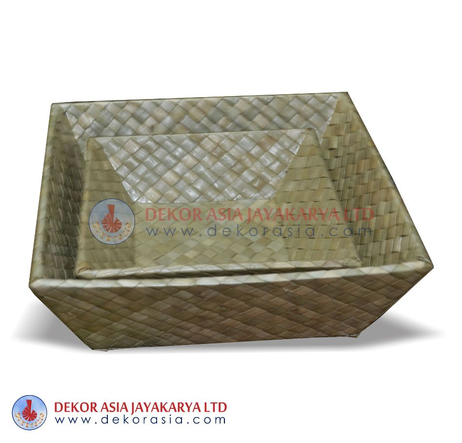 Tuppered Square Set Of 2 - Pandanus Boxes