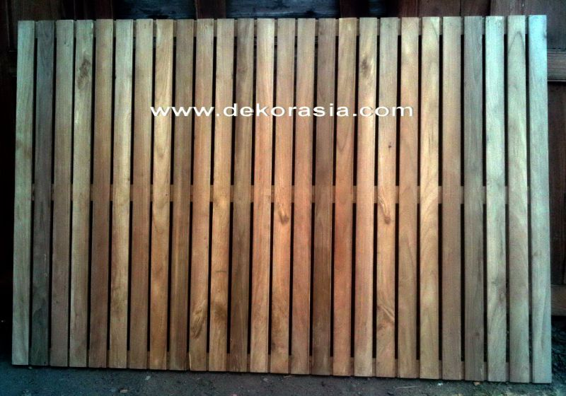 TEAK TIMBER SCREEN